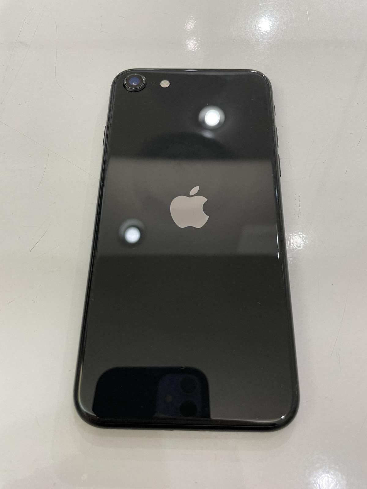 iPhone SE2 128GB ブラック SIMフリー 中古