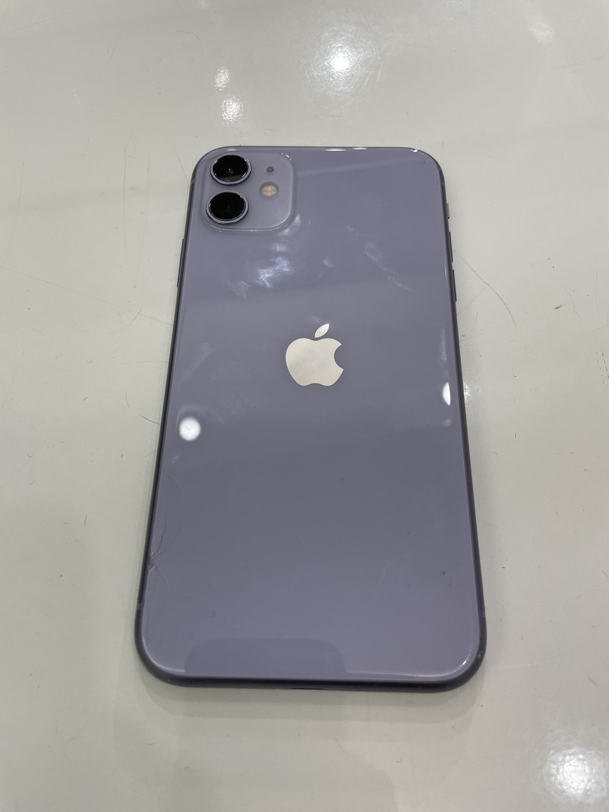iPhone 11 128GB パープル SIMフリー 背面割れ品