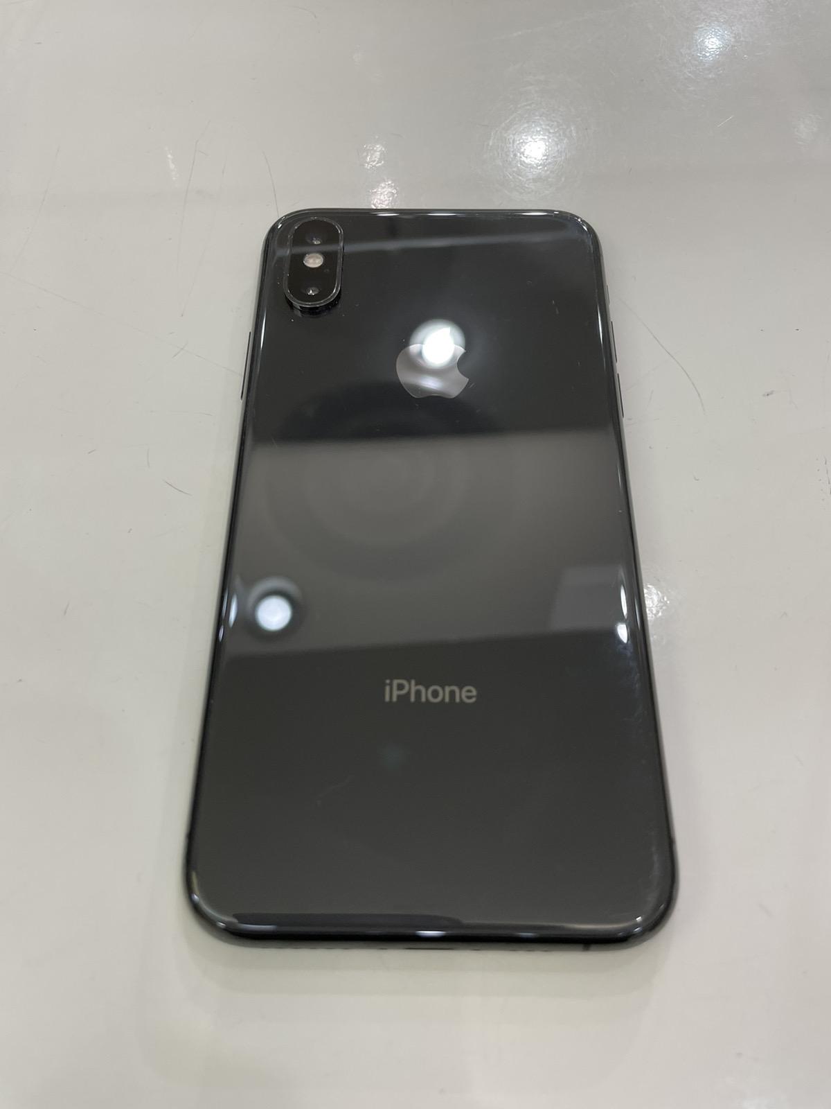iPhone XS 256GB スペースグレイ au△ 中古