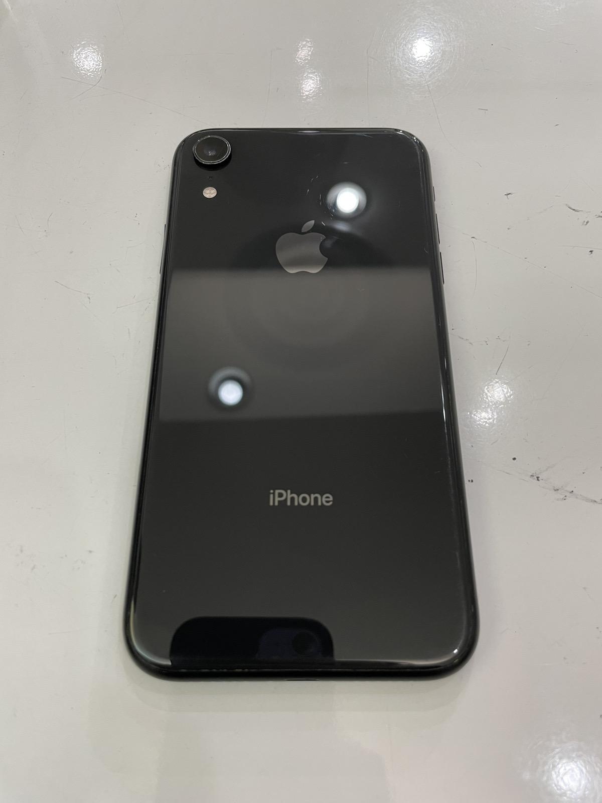 iPhone XR 128GB スペースグレイ au○ 中古