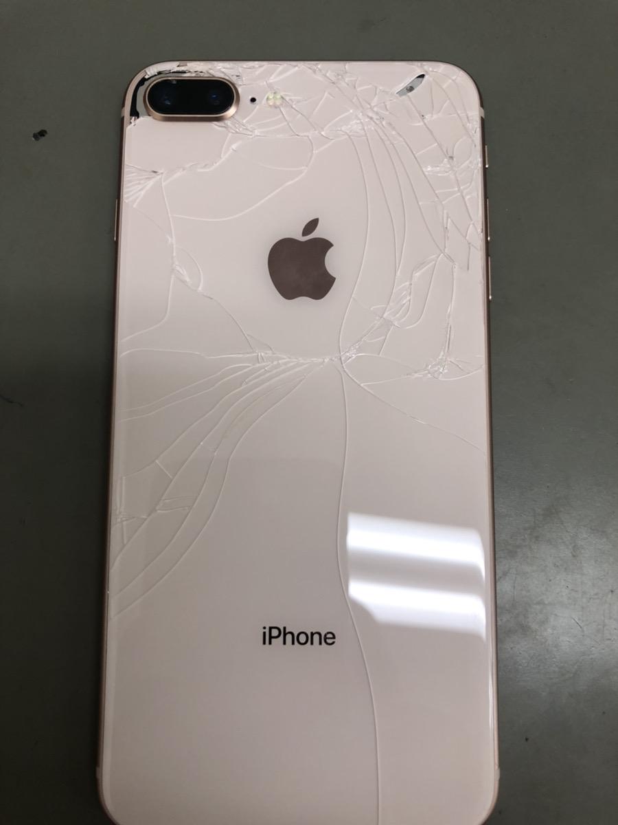 iPhone8P64GBゴールドSIMフリージャンク品
