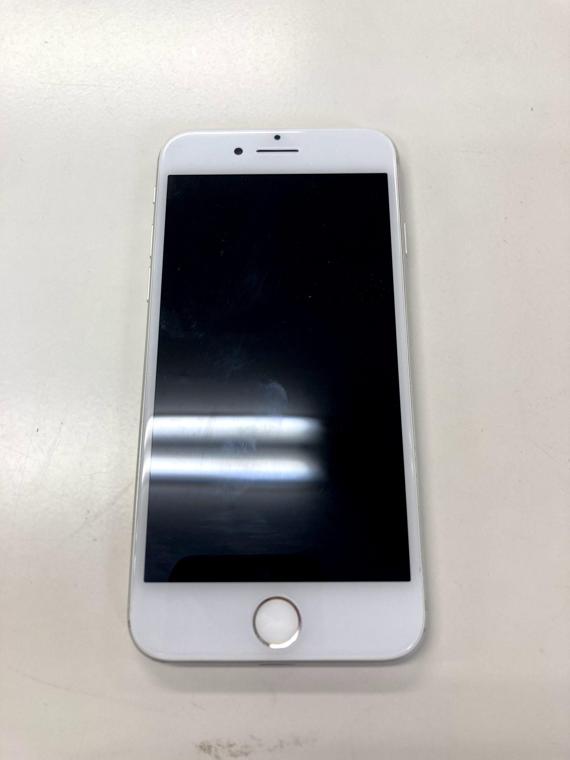 iPhone7 32GB シルバー ドコモ〇 中古