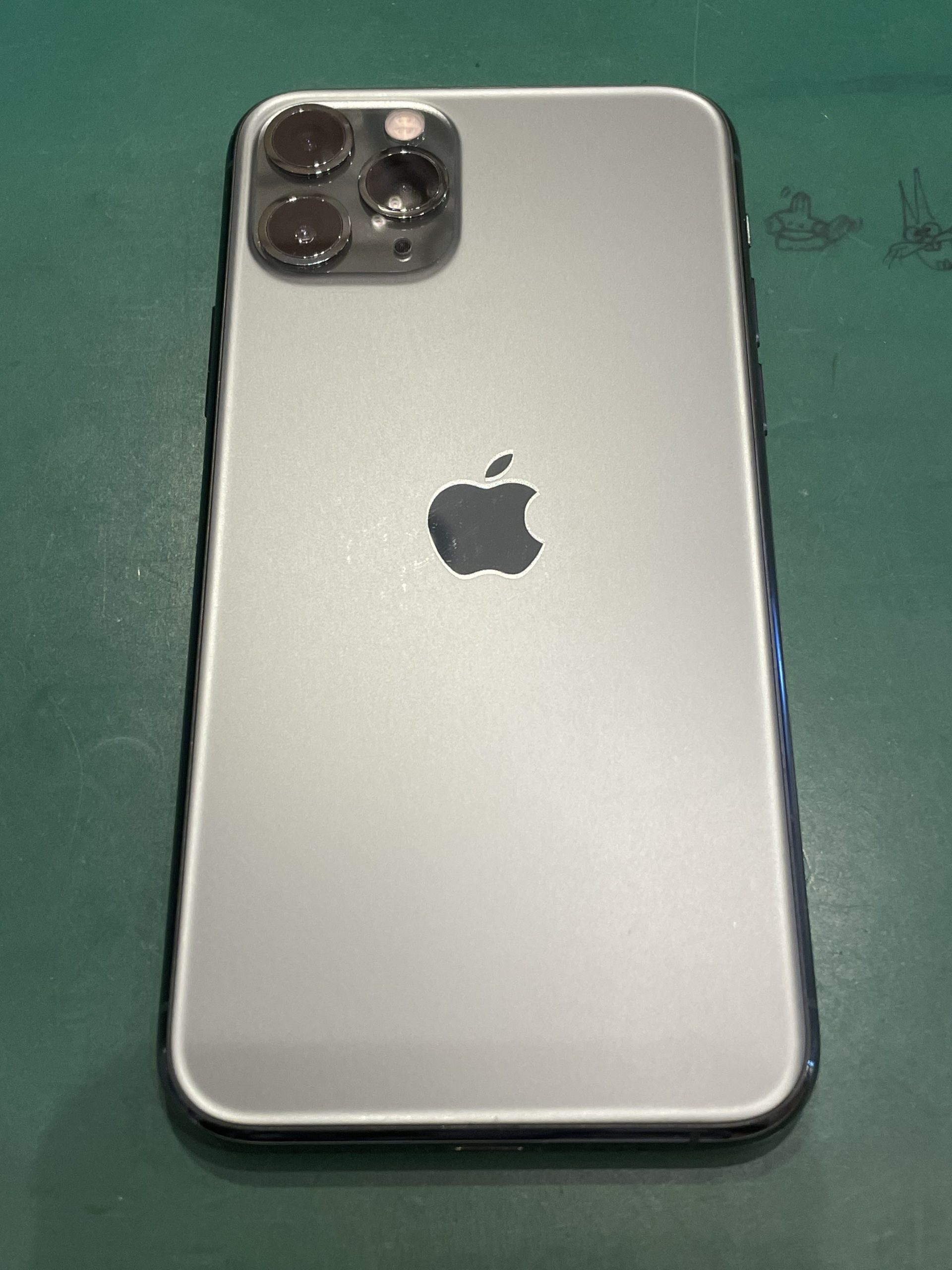 iPhone11Pro 256GB スペースグレイ docomo〇判定 中古 本体のみ