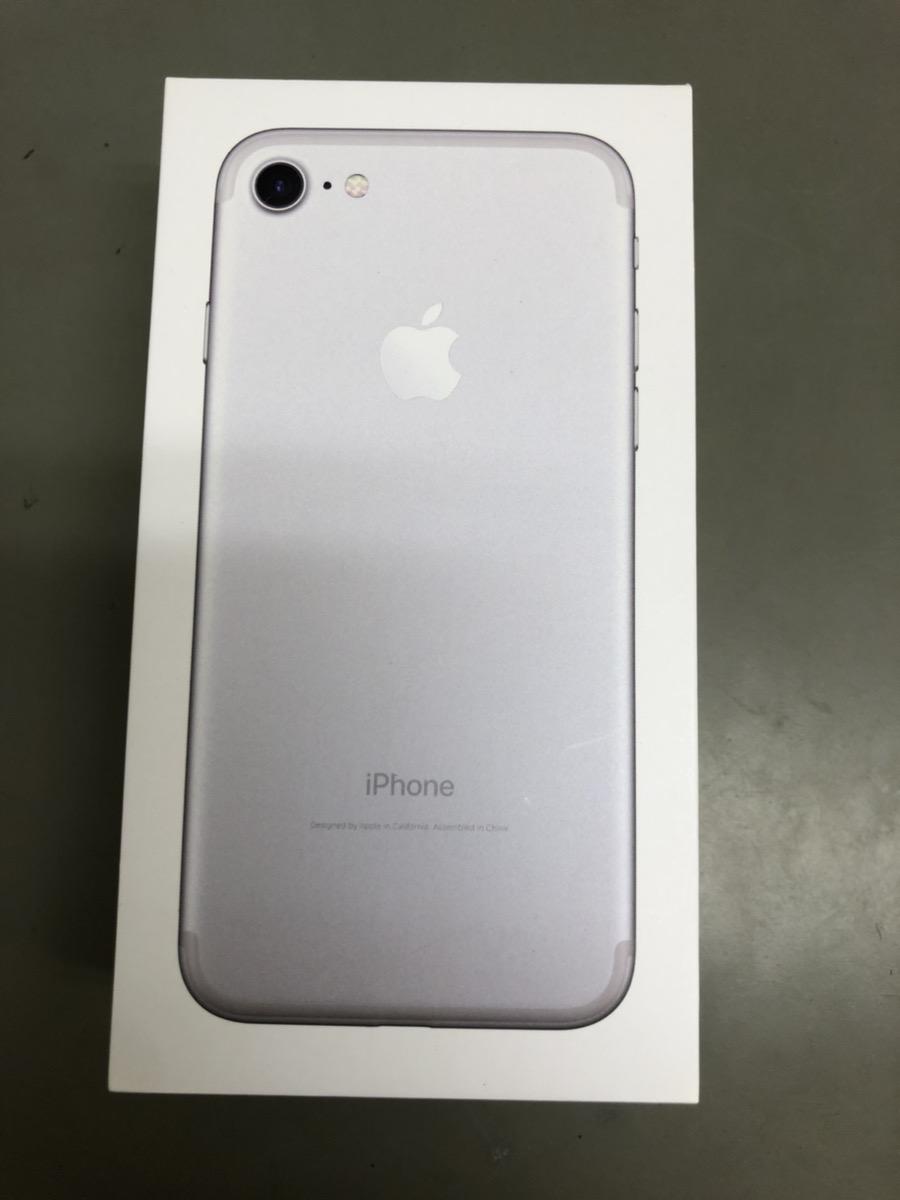 iPhone7 32GB シルバー docomo ○ 中古
