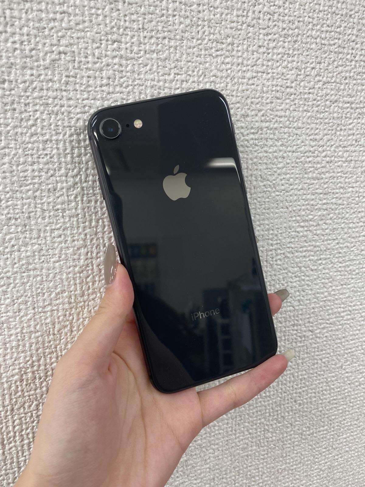 iPhone8 64GB グレー au○ 中古