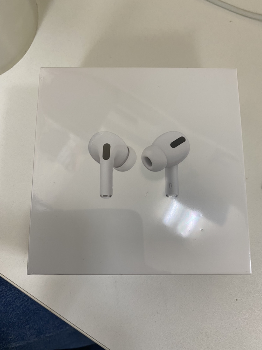 AirPods Pro A2083 MWP22J/A ホワイト新品未開封品