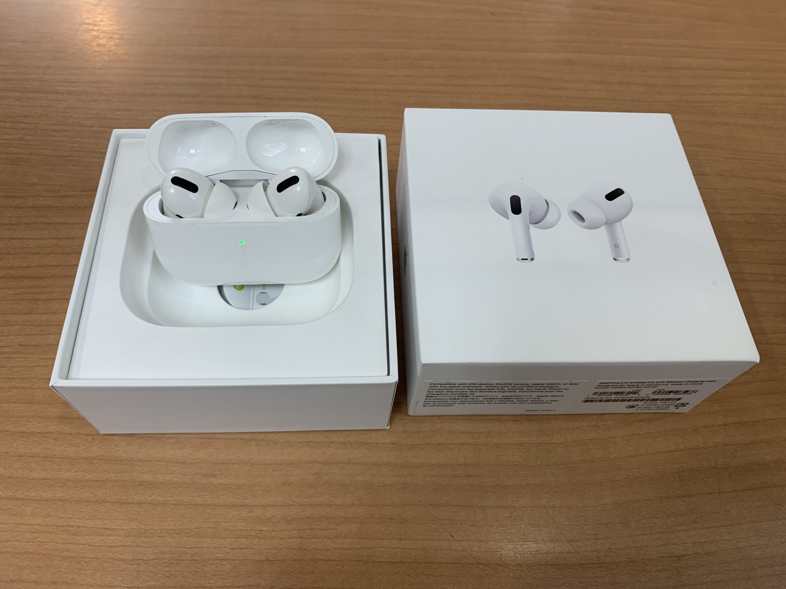 AirPods Pro MWP22J/A  中古